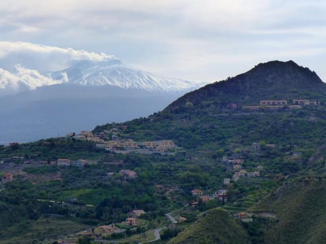 000c1f_italy_sicily_View-to-Mount-Etna-f0fea8b21fb0942d060e1433fef1d45d