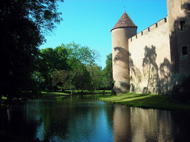 Chateau_d'Ainay-le-Vieil