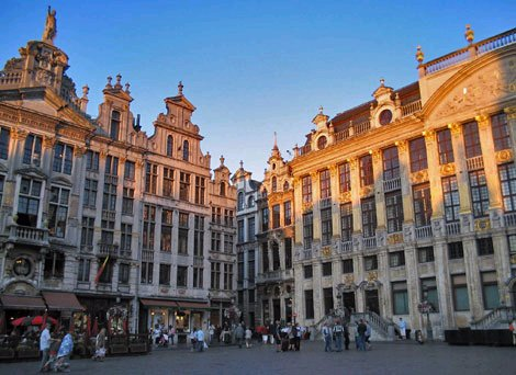 Brussels Grand Place (mishkabear/flickr)