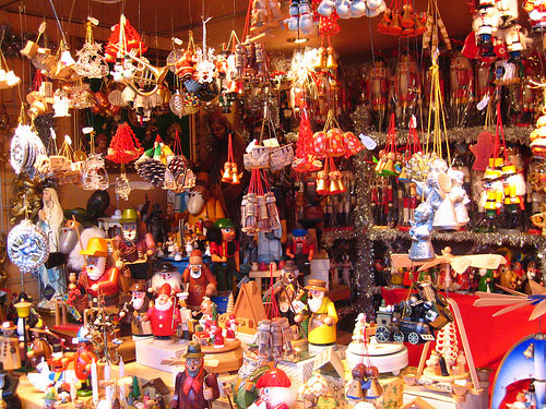 christmas-market-by-charley1965flickr