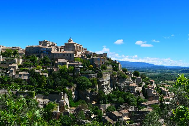 The hilltop village of Gordes.