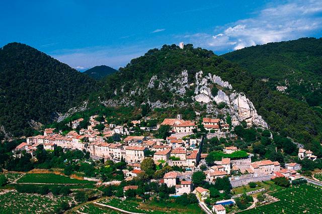 The mountain-side village of Séguret.