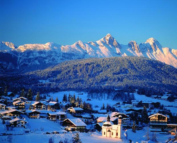 000414_austria_tyrol_View-of-accommodatio-24a042078c97a799ef86f3b069c8c5b3
