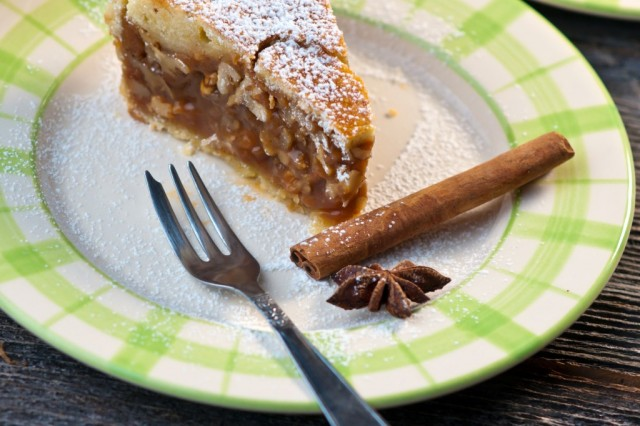 Engadine walnut cake is one of the gastronomic icons of Graubünden, a Swiss culinary classic that is exported all over the world.