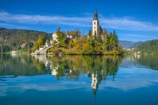 0009b4_slovenia_Lake-Bled-a358a545adc69407a652438824546480