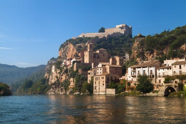 000f19_spain_catalunya_Miravet-Catalonia--g