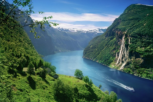 The view from Skagefla fjord farm in the Geirangerfjord. © Per Eide/Visitnorway.com