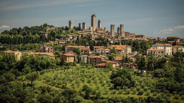Montepulciano (C): Shutterstock